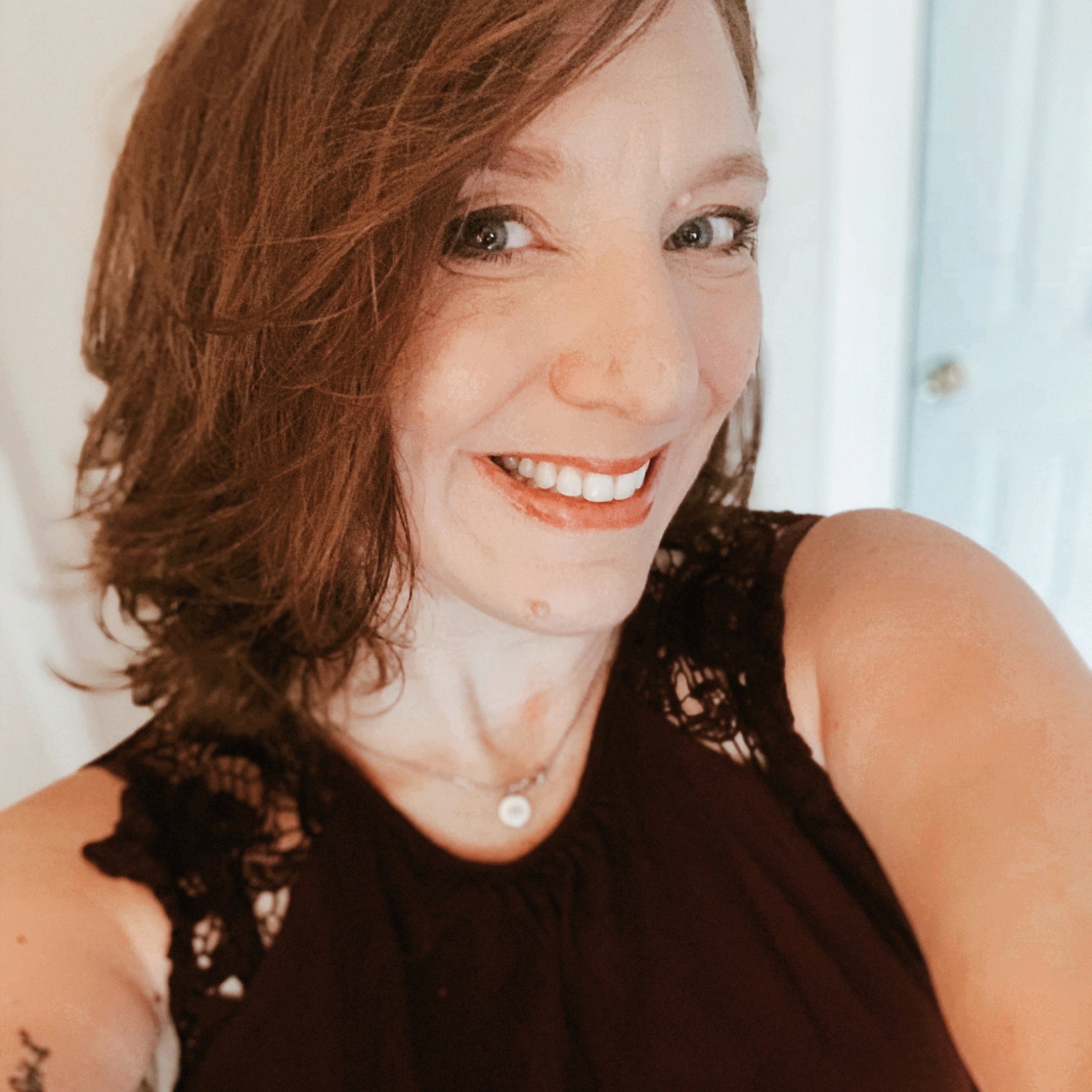 Gabrielle G - Author Phogo